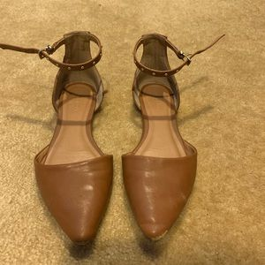 tan ankle strap pointed toe flats